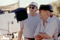 CROCODILE DUNDEE IN LOS ANGELES, director Simon Wincer, Paul Hogan, on set, 2001, (c) Paramount