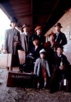 COME SEE THE PARADISE, Akemi Nishino, Ronald Yamamoto, Shizuko Hoshi, Naomi Nakano, Elizabeth Gilliam, Tamlyn Tomita, Stan Egi, Brady Tsurutani, 1990, TM and Copyright (c)20th Century Fox Film Corp. All rights reserved.