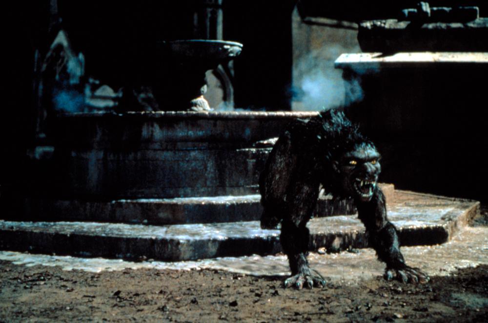 Julie bowen an american werewolf in paris - 4 2