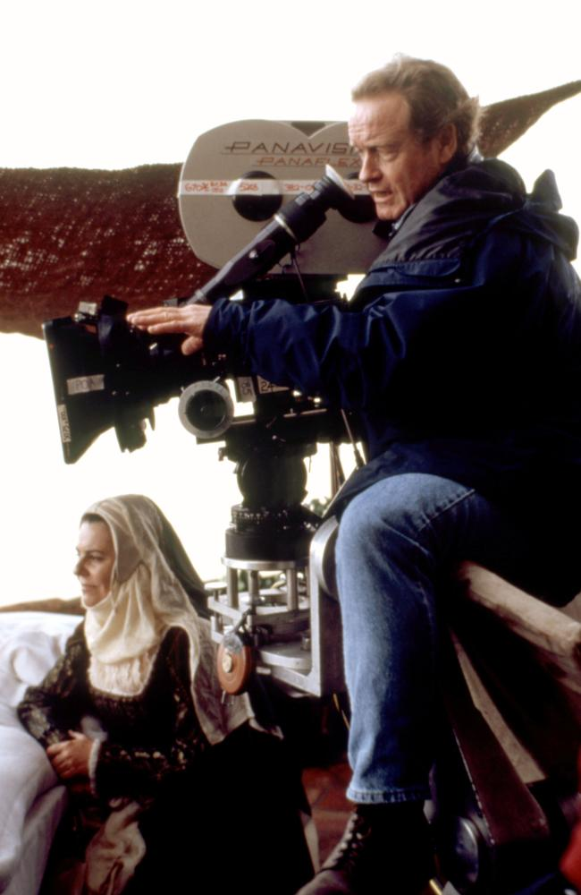 1492: CONQUEST OF PARADISE, director Ridley Scott on set, 1992, (c)Paramount