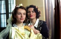 TWIN SISTERS, (aka DE TWEELING), Nadja Uhl, Barbara Auer, 2002, (c) Miramax