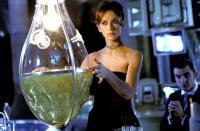 TUXEDO, Jennifer Love Hewitt, Ritchie Coster, 2002, (c) DreamWorks