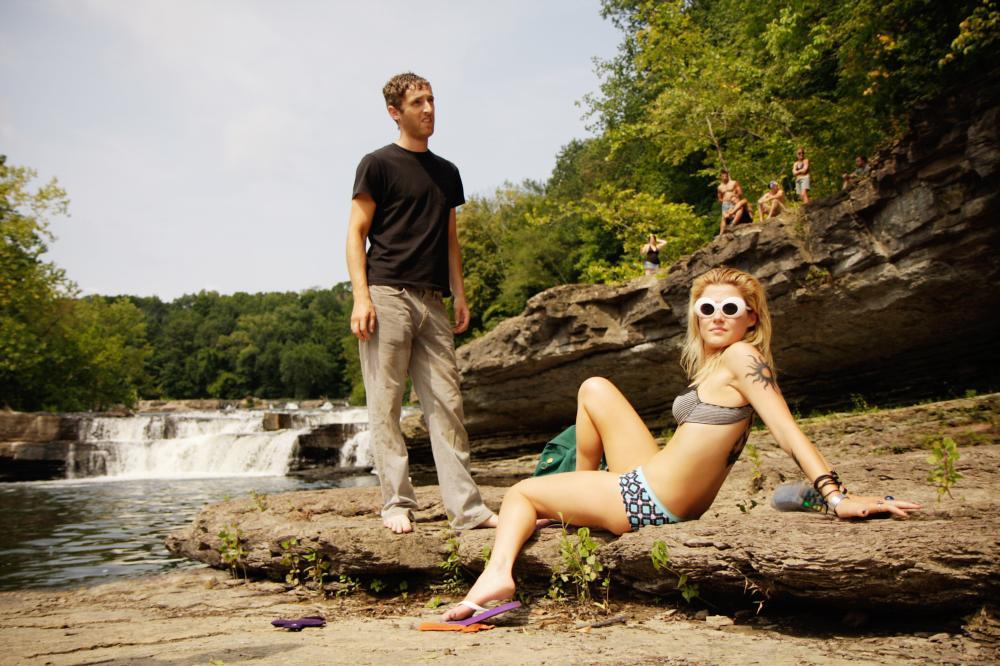 SPLINTERHEADS, from left: Thomas Middleditch, Rachael Taylor, 2009. ©Paladin