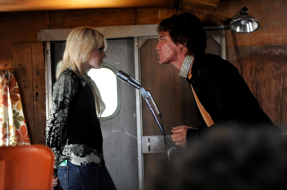 THE RUNAWAYS, Dakota Fanning as Cherie Currie, Michael Shannon as Kim Fowley, 2010. Ph: David Moir/©Apparition
