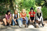 THE RUNAWAYS, from left: Alia Shawkat, Scout Taylor-Compton, Stella Maeve, Kristen Stewart as Joan Jett, Dakota Fanning as Cherie Currie, 2010. ©Apparition