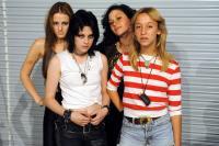 THE RUNAWAYS, l-r: Scout Taylor-Compton as Lita Ford, Kristen Stewart as Joan Jett, Alia Shawkat, Stella Maeve as Sandy West, 2010, ©Apparition