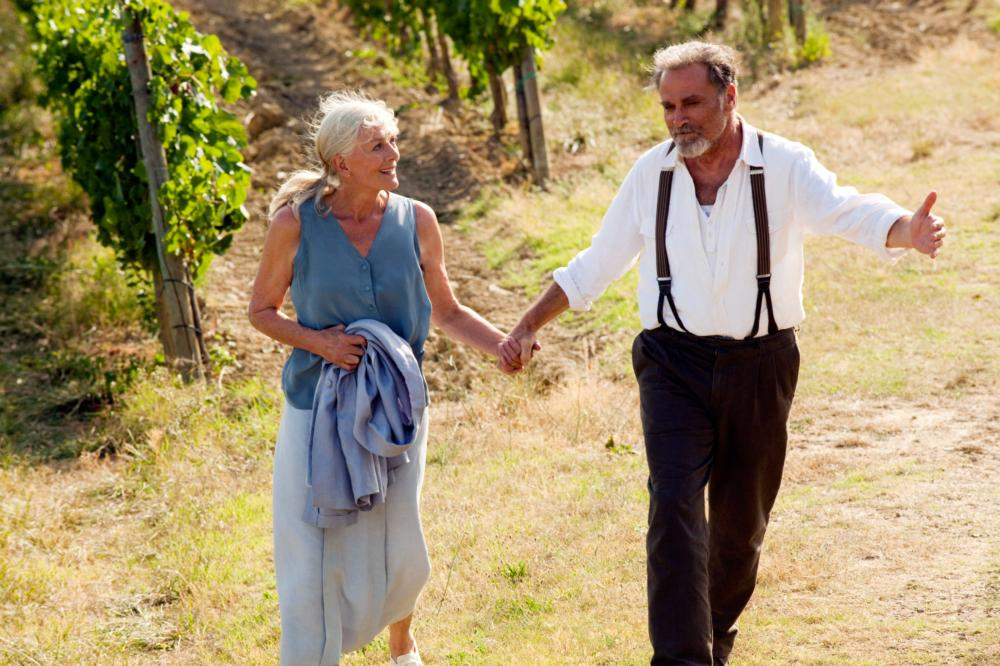 LETTERS TO JULIET, from left: Vanessa Redgrave, Franco Nero, 2010. ph: John Johnson/©Summit Entertainment