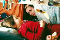 THE GIRAFFE'S NECK, (aka LE COU DE LA GIRAFE), Louisa Pili, Sandrine Bonnaire, 2004, ©UGC-Fox Distribution