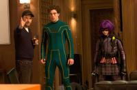 KICK-ASS, from left: director Matthew Vaughn, Aaron Johnson, Chloe Moretz, on set, 2010. ©Lions Gate