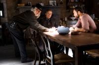 INGLOURIOUS BASTERDS, from left: cinematographer Robert Richardson, Christoph Waltz, Denis Menochet, on set, 2009. Ph: Francois Duhamel/©Weinstein Company