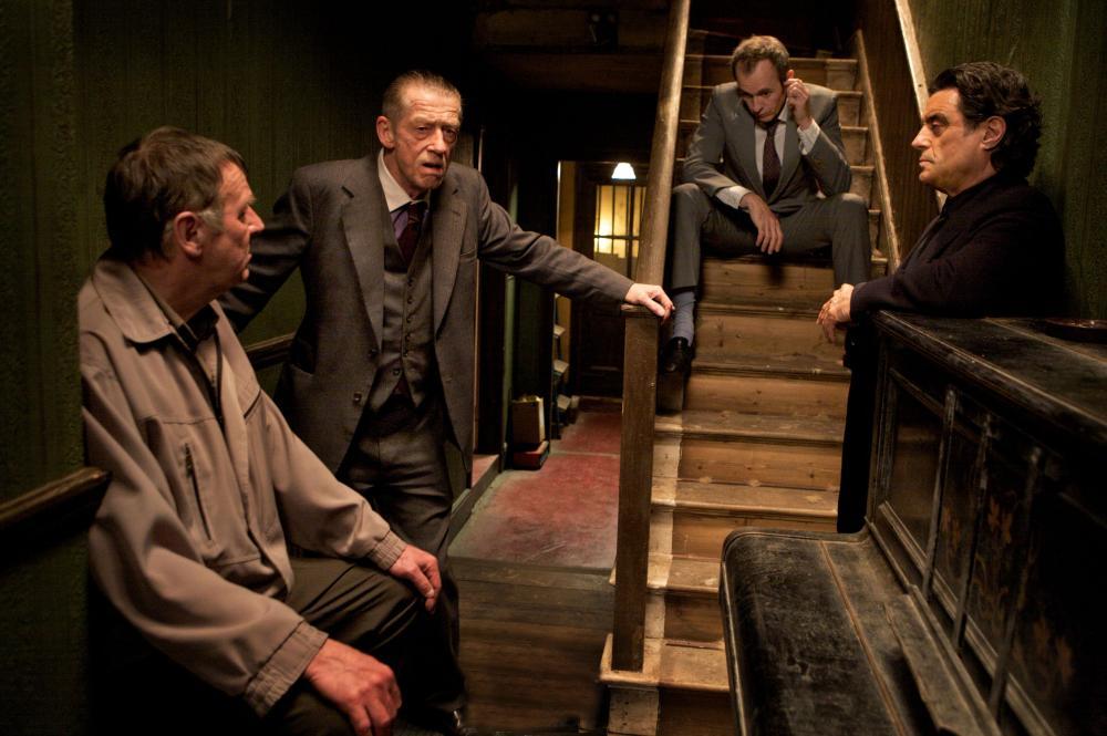 44 INCH CHEST, from left: Tom Wilkinson, John Hurt, Stephen Dillane, Ian McShane, 2009. ©Image Entertainment