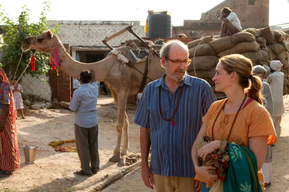 EAT PRAY LOVE, from left: Richard Jenkins, Julia Roberts, 2010. ph: Francois Duhamel/©Columbia Pictures
