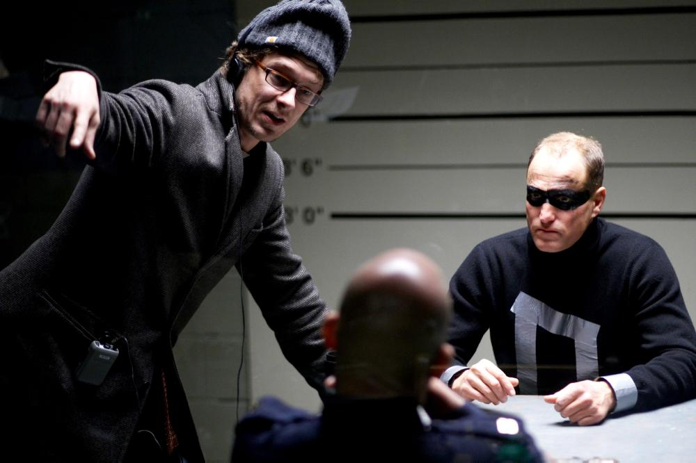 DEFENDOR, from left: writer/director Peter Stebbings, Clark Johnson, Woody Harrelson, on set, 2009. ©Sony Pictures