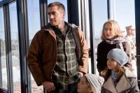 BROTHERS, clockwise from far left: Jake Gyllenhaal, Natalie Portman, Bailee Madison, Taylor Geare, 2009. Ph: Lorey Sebastian/ ©Lionsgate