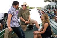 THE BOUNTY HUNTER, from left: Gerard Butler, director Andy Tennant, Jennifer Aniston, on set, 2010. ph: Barry Wetcher/©Columbia Pictures