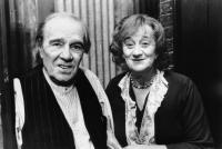 WE THINK THE WORLD OF YOU, from left, Max Wall, Liz Smith, 1988, ©Cinecom Entertainment Group