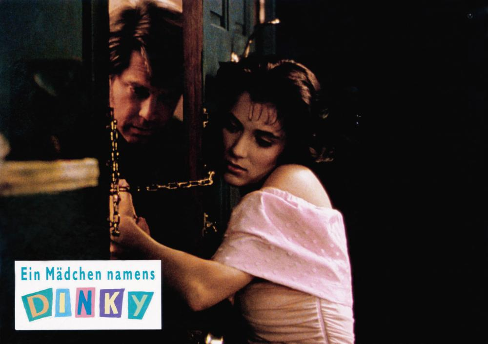 WELCOME HOME, ROXY CARMICHAEL, (aka EIN MADCHEN NAMENS DINKY), from left: Graham Beckel, Winona Ryder, 1990, © Paramount