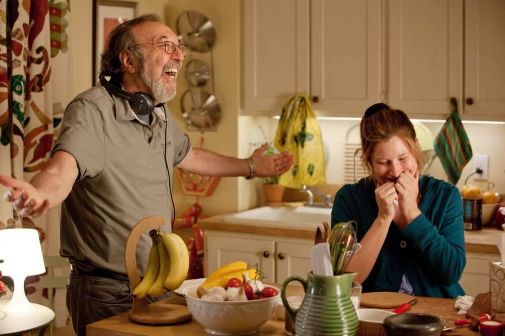 HOW DO YOU KNOW, from left: director James L. Brooks, Kathryn Hahn, on set, 2010. ph: David James/©Columbia Pictures