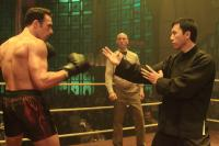 IP MAN 2, (aka IP MAN 2: LEGEND OF THE GRANDMASTER), foreground l-r: Darren Shahlavi, Donnie Yen, 2010, ©Well Go/Variance Films