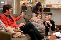 NO STRINGS ATTACHED, from left: Ashton Kutcher, Mindy Kaling, Natalie Portman, Greta Gerwig, 2011. ph: Dale Robinette/©Paramount Pictures