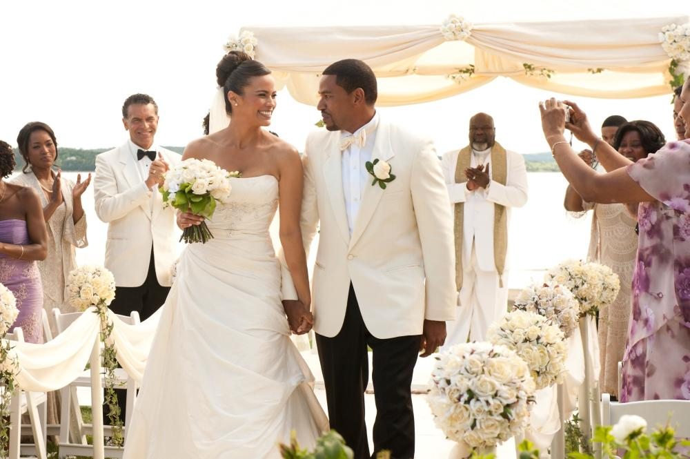 JUMPING THE BROOM, from left: Angela Bassett, Brian Stokes Mitchell, Paula Patton, Laz Alonso, T.D. Jakes, Loretta Devine (back), 2011. Ph: Jonathan Wenk/©TriStar Pictures