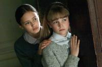 NEVER LET ME GO, l-r: Ella Purnell, Izzy Meikle-Small, 2010, ph: Alex Bailey/TM and Copyright ©20th Century Fox Film Corp. All rights reserved.