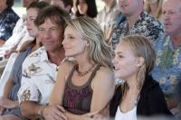 SOUL SURFER, front, from left: Dennis Quaid, Helen Hunt, AnnaSophia Robb, 2011. ph: Mario Perez/©TriStar Pictures