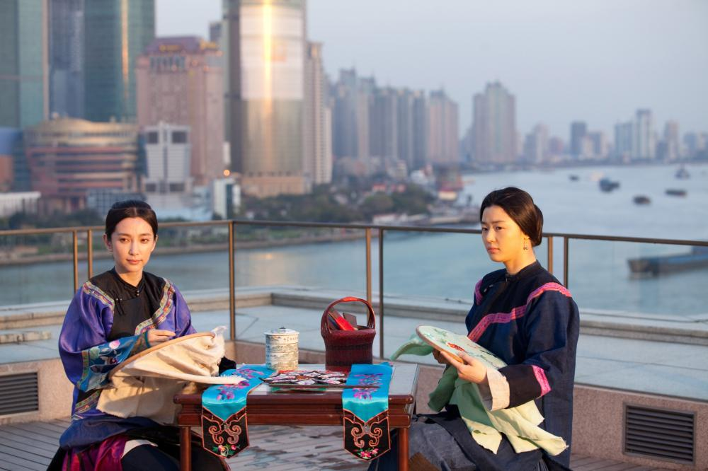 SNOW FLOWER AND THE SECRET FAN, l-r: Bingbing Li, Gianna Jun, 2011, TM and Copyright ©20th Century Fox Film Corp. All rights reserved.