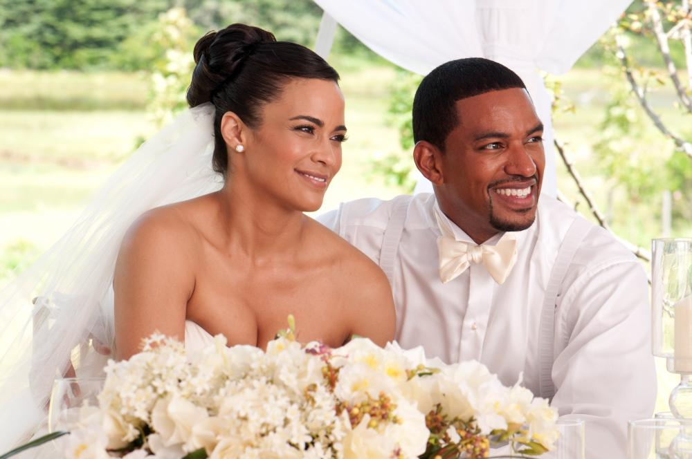 JUMPING THE BROOM, from left: Paula Patton, Laz Alonso, 2011. Ph: Jonathan Wenk/©TriStar Pictures