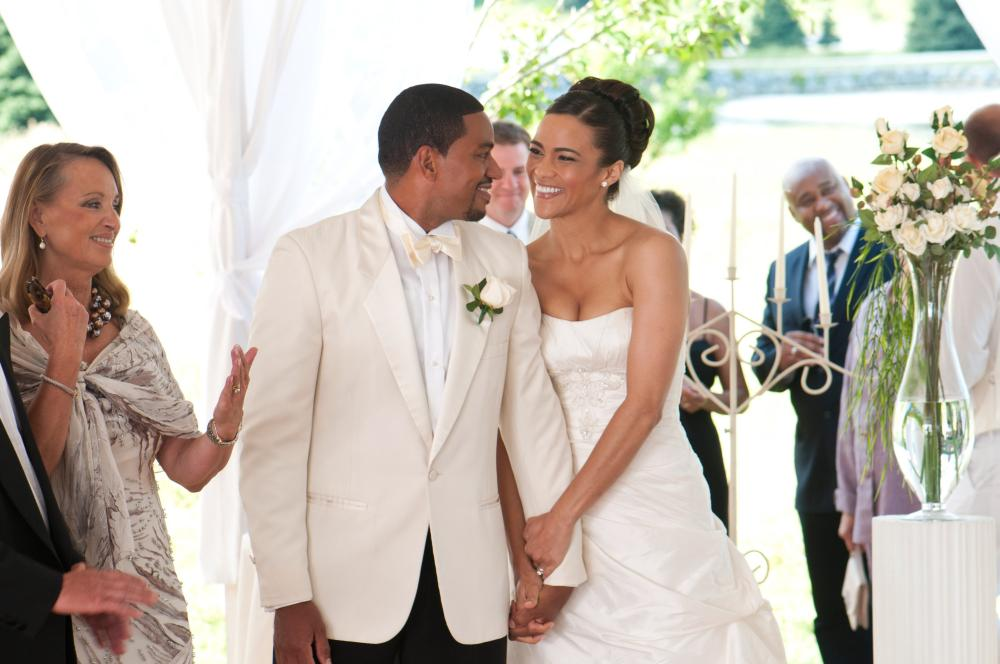 JUMPING THE BROOM, Laz Alonso (left of center), Paula Patton (right), 2011. Ph: Jonathan Wenk/©TriStar Pictures