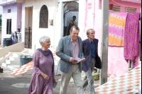 THE BEST EXOTIC MARIGOLD HOTEL, from left: Judi Dench, Tom Wilkinson, Bill Nighy, 2012. ph: Ishika Mohan/TM and ©Copyright Fox Searchlight Pictures.