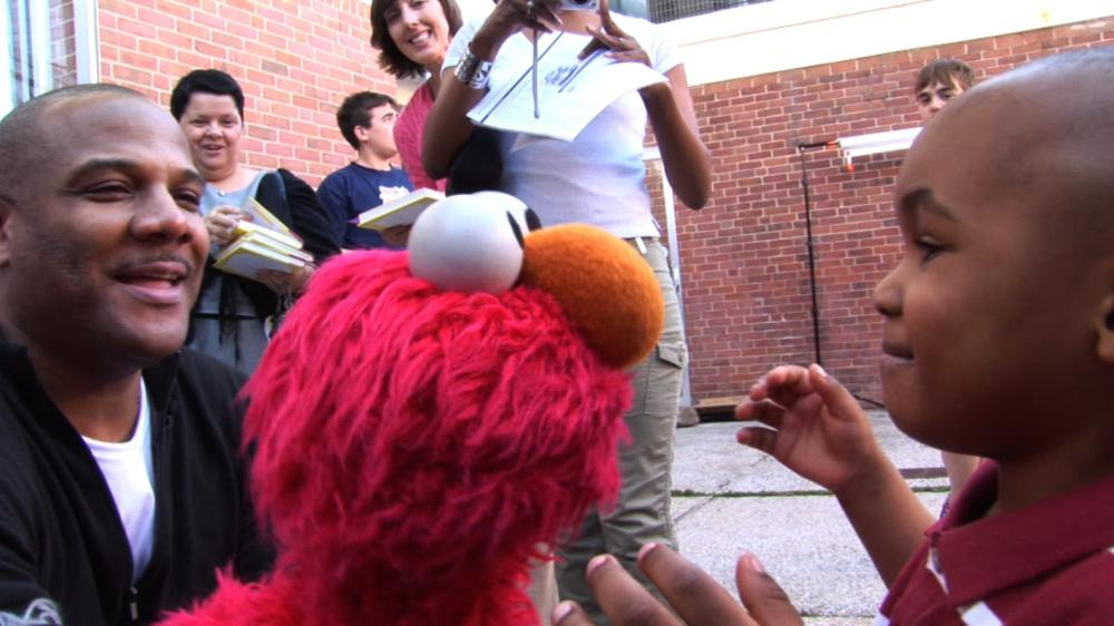 BEING ELMO: A PUPPETEER'S JOURNEY, l-r: Kevin Clash, Elmo, 2011, ©Submarine Entertainment