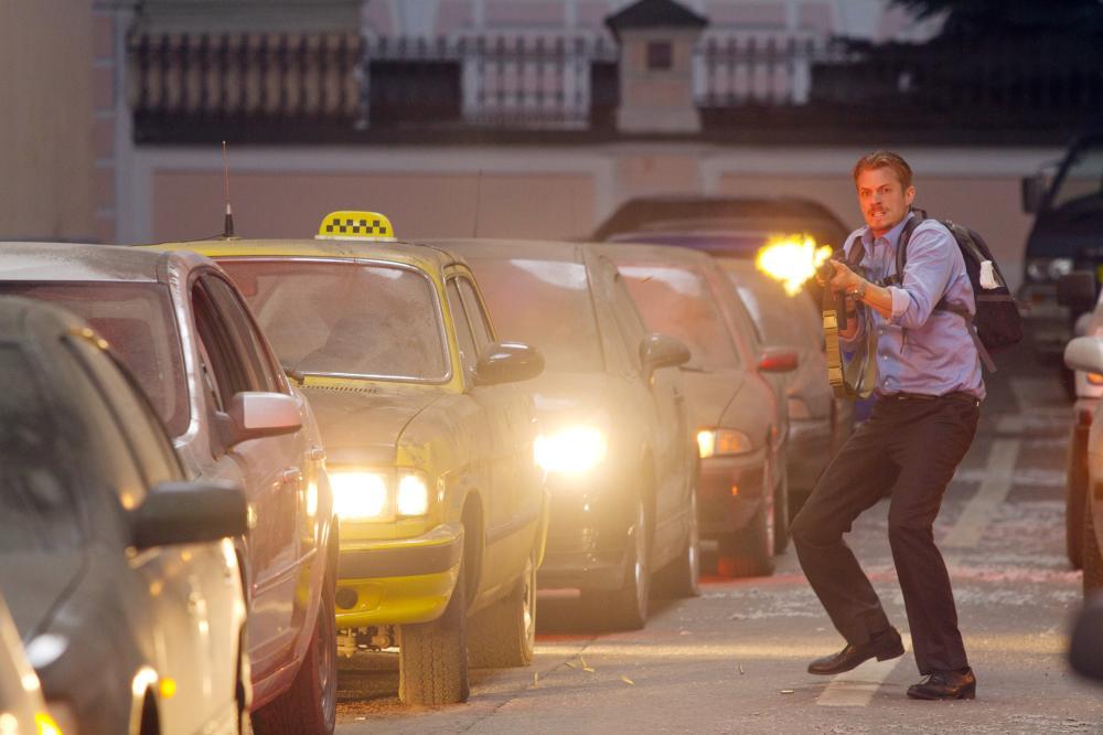 THE DARKEST HOUR, Joel Kinnaman, 2011. Ph: Rico Torres/©Summit Entertainment