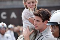 THE HUNGER GAMES, from left: Willow Shields, Liam Hemsworth, 2012. ph: Murray Close/©Lionsgate