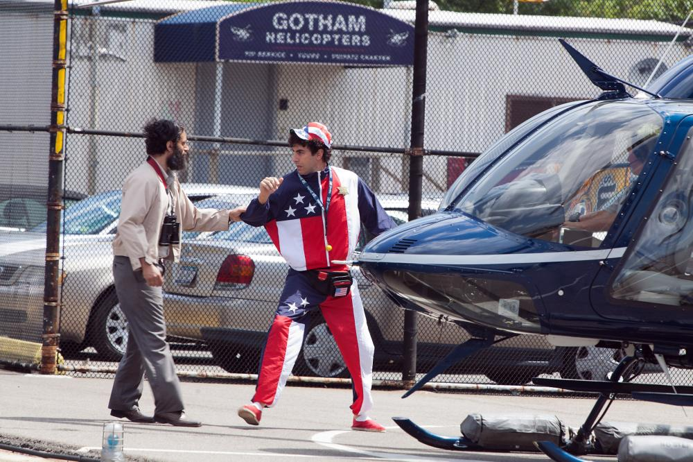 THE DICTATOR, from left: Jason Mantzoukas, Sacha Baron Cohen, 2012. Ph: Melinda Sue Gordon/©Paramount Pictures
