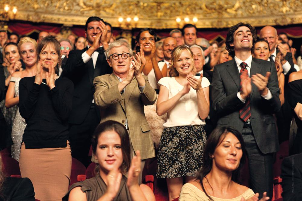 TO ROME WITH LOVE, from left: Judy Davis, Woody Allen, Alison Pill, Flavio Parenti, 2012. ©Sony Pictures Classics