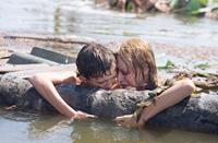 THE IMPOSSIBLE, from left: Tom Holland, Naomi Watts, 2012. ph: Jose Haro/©Summit Entertainment