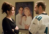 SILVER LININGS PLAYBOOK, from left: Jennifer Lawrence, Bradley Cooper, 2012. ph: JoJo Whilden/©Weinstein Company