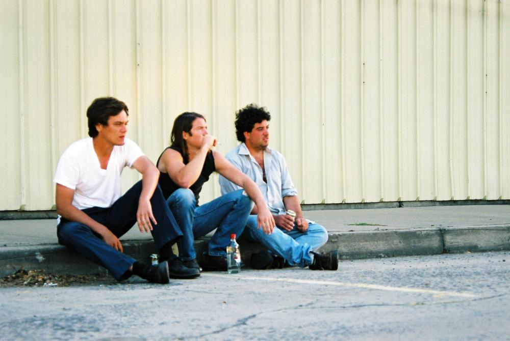 SHOTGUN STORIES, l-r: Michael Shannon, Barlow Jacobs, Douglas Ligon, 2007, ©International Film Circuit