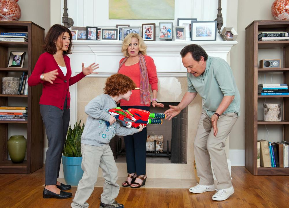 PARENTAL GUIDANCE, l-r: Marisa Tomei, Kyle Harrison Breitkopf, Bette Midler, Billy Crystal, 2012, ph: Phil Caruso/TM and Copyright ©20th Century Fox Film Corp. All rights reserved.