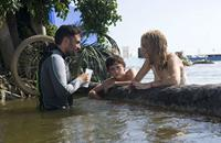 THE IMPOSSIBLE, l-r: Director Juan Antonio Bayona, Tom Holland, Naomi Watts, 2012, ©Summit Entertainment