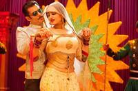 DABANGG 2, from left: Salman Khan, Kareena Kapoor, 2012. ©Eros International