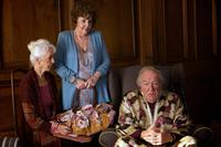 QUARTET, l-r: Patricia Loveland, Pauline Collins, Michael Gambon, 2012, ph: Kerry Brown/©Weinstein Company