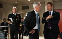 OLYMPUS HAS FALLEN, front, from left: Phil Austin, Aaron Eckhart, 2013. ph: Phil Caruso/©FilmDistrict