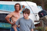 MUD, from left: Matthew McConaughey, Tye Sheridan, 2012. ph: Jim Bridges/©Roadside Attractions