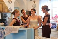 BREAKUP AT A WEDDING, from left: Mary Grill, Thyra Heder, Alison Fyhrie, Sian Heder, 2013. ©Oscilloscope Laboratories