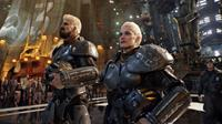 PACIFIC RIM, from left: Robert Maillet, Heather Doerksen, 2013. ©Warner Bros.