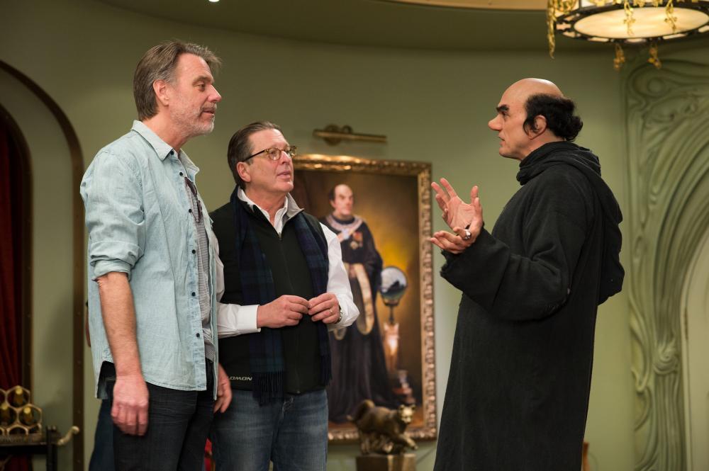 THE SMURFS 2, l-r: director Raja Gosnell, producer Jordan Kerner, Hank Azaria on set, 2013, ph: Jonathan Wenk/©Columbia Pictures