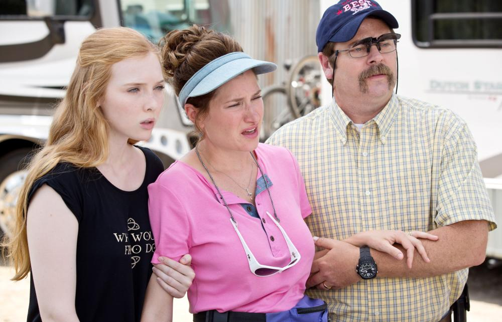 WE'RE THE MILLERS, from left: Molly Quinn, Kathryn Hahn, Nick Offerman, 2013. ph: Michael Tackett/©Warner Bros. Pictures