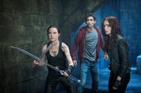 THE MORTAL INSTRUMENTS: CITY OF BONES, from left: Jemima West, Robert Sheehan, Lily Collins, 2013. ph: Rafy/©Screen Gems